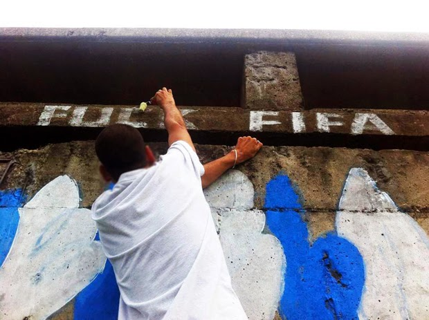 Brazilian Anti-Fifa Street Art Expresses Outrage Over World Cup (4)